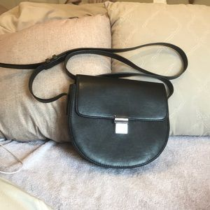 "Pre-owned""NEXT""Black Handbag.Chic/Easy to carry💕"